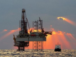 Oil_rig_250108