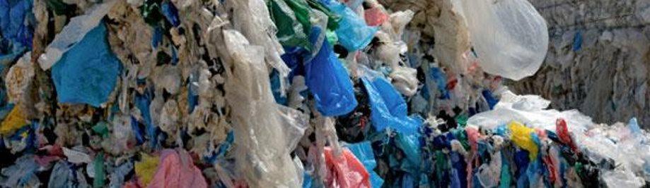 Reciclatge de bosses de plàstic