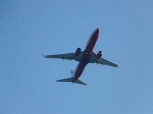 imatge-d'avió-en-vol-per-piotrus-de-wikimedia-amb-llicència-sota-la-llicència-creative-commons