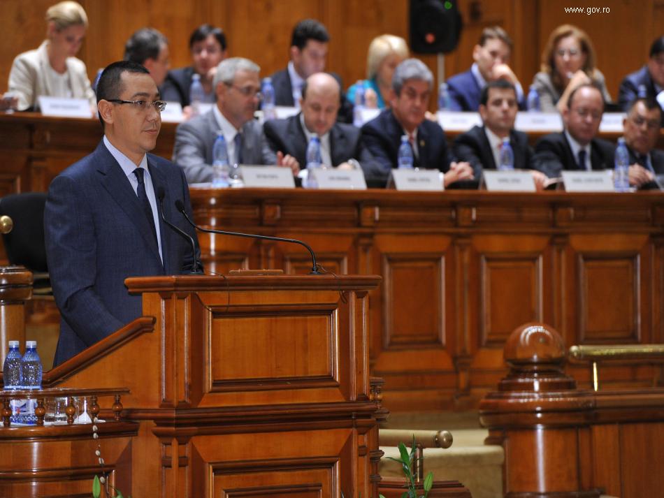 Ponta-parlament-Septembrie-950