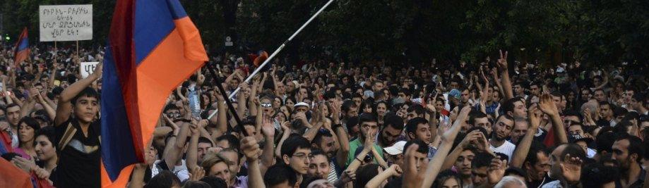 Armenia_Protest-0dec3-7230
