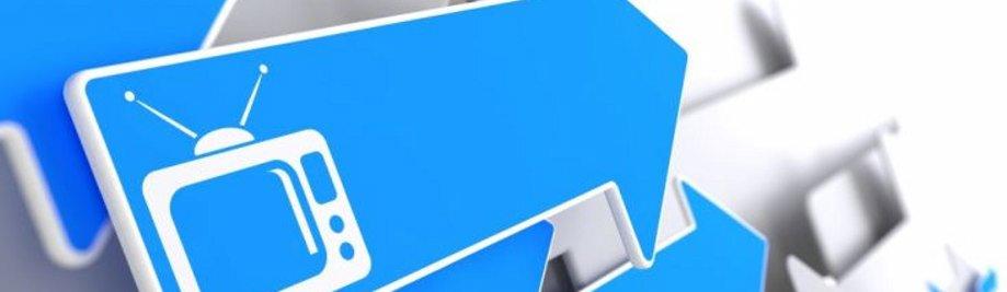 TV-stel-simbool op Blue Arrow op 'n grys agtergrond. Televisie Konsep.