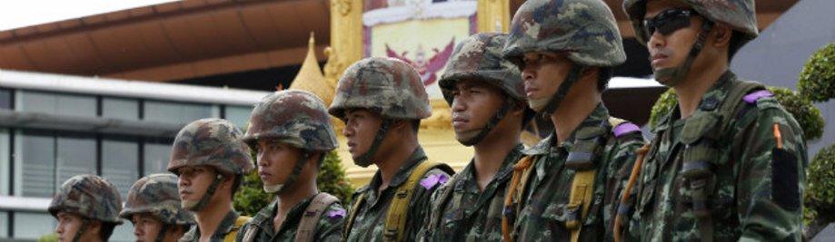 Thai-weermag-martial-wet-20140520-1
