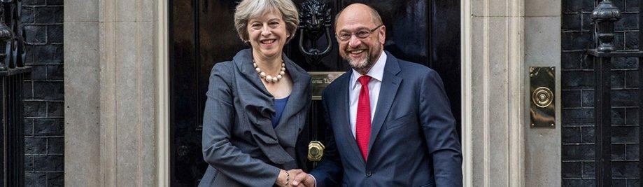 President van die Europese Parlement, Martin Schulz, ontmoet met die Britse premier, Theresa Mei, op nommer 10 Downing Street op September 22, 2016