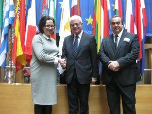 هائینز بکر MEP با خانواده و دوستان Kokorev ملاقات می کند
